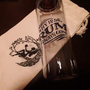 """FairyLoot Exclusive """"Rum"""" Water Bottle"""